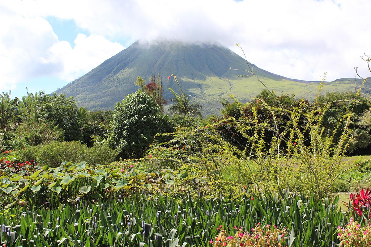 Mount Mahawu Volcano Trekking Day Tour