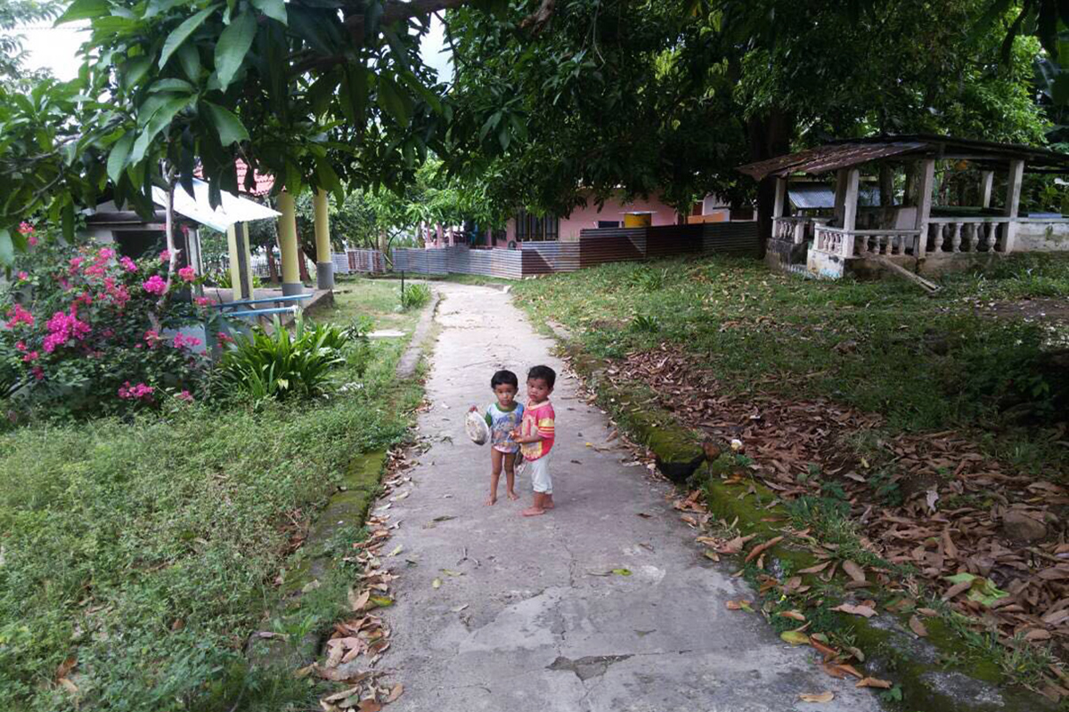 Childrens at Gangga I in Gangga Island