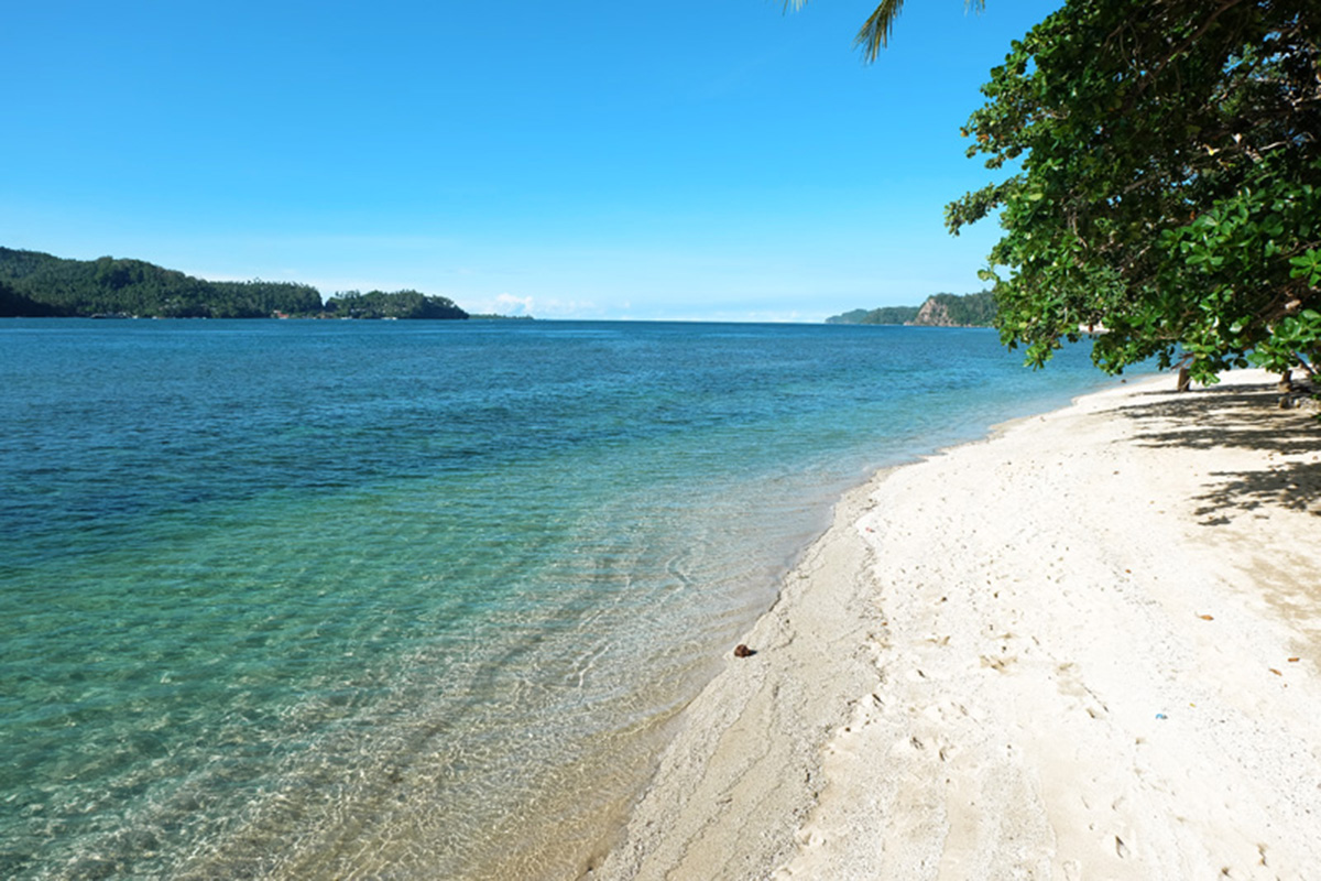 Pasir Putih Lembeh_The 5 Best Beaches in North Sulawesi You Have to See to Believe