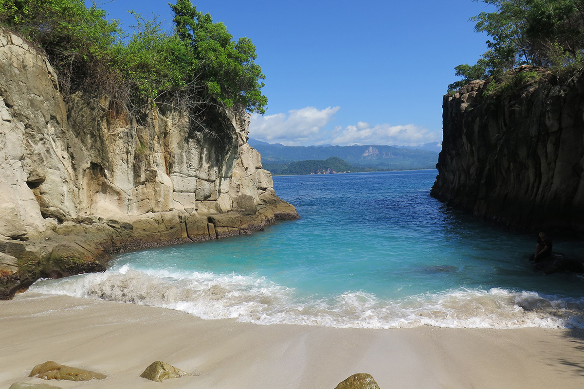 Pakotan Beach_The 5 Best Beaches in North Sulawesi You Have to See to Believe