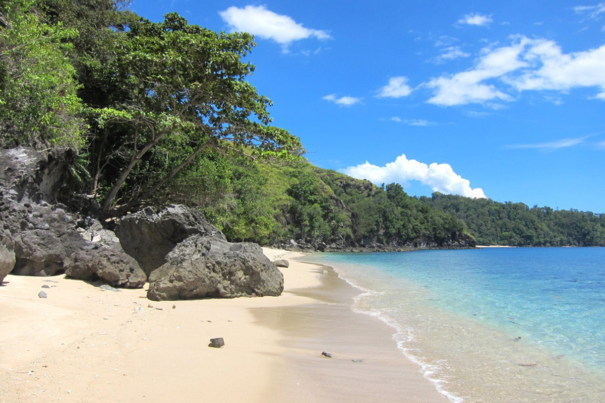 Pulisan Beach_The 5 Best Beaches in North Sulawesi You Have to See to Believe