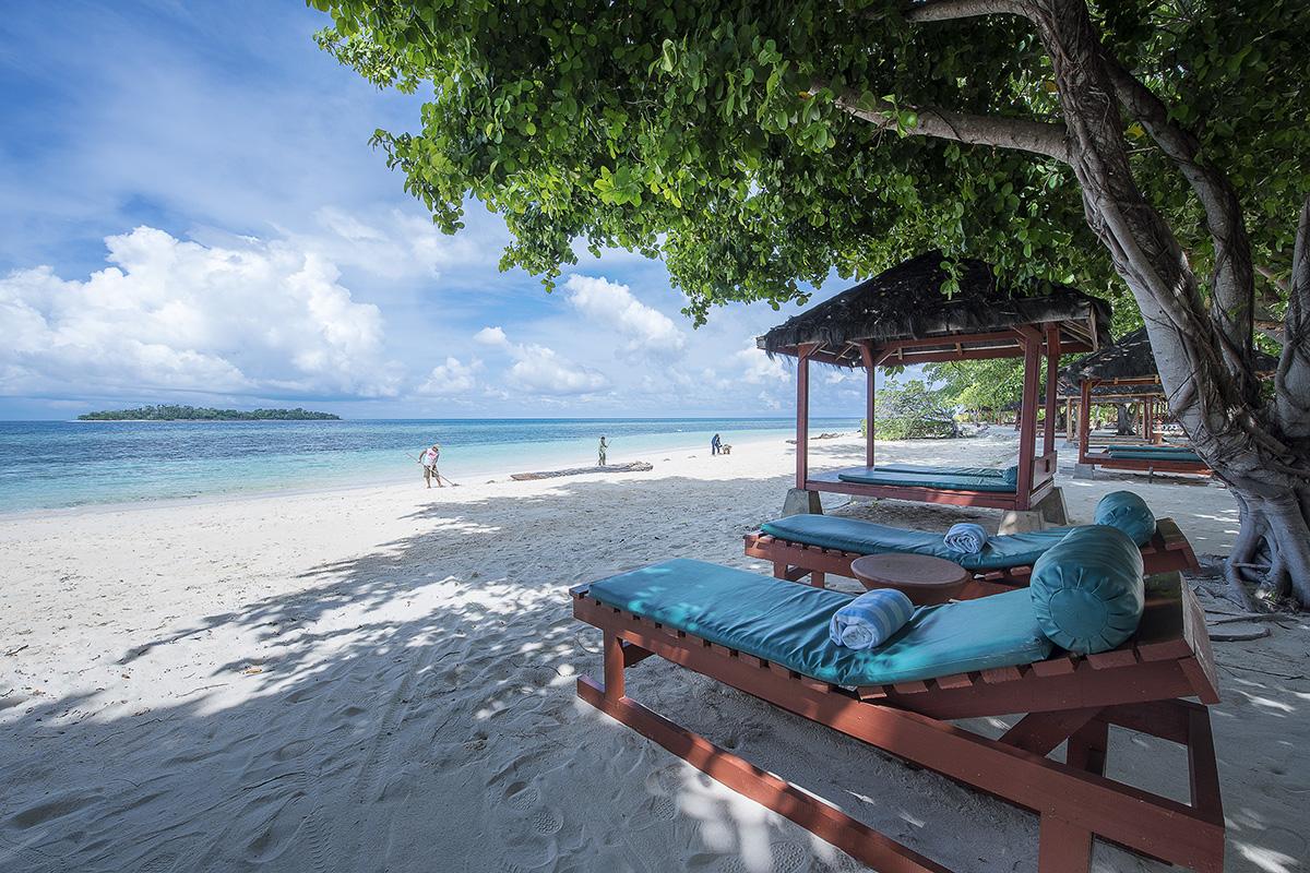 A Honeymoon in Paradise on Gangga Island