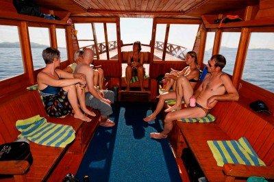 14 Gangga-Divers Boat